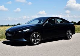 Hyundai Elantra 2021 - test