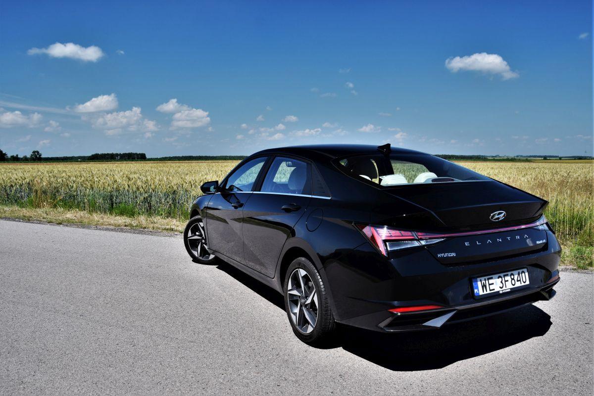 Hyundai Elantra 2021 - opinie