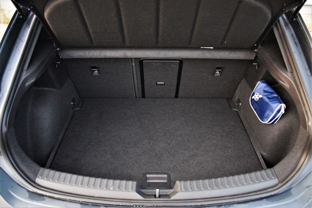 CUPRA Leon 2.0 TSI - bagażnik