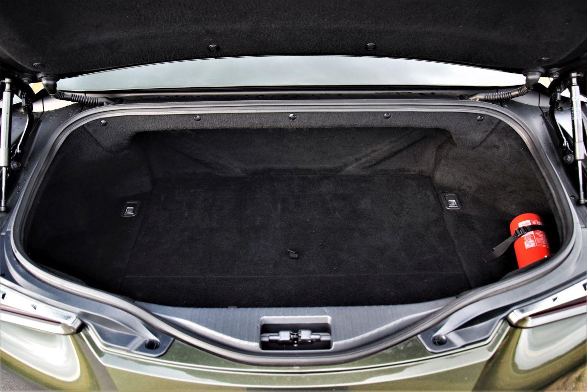 Lexus LC 500 Convertible - bagażnik
