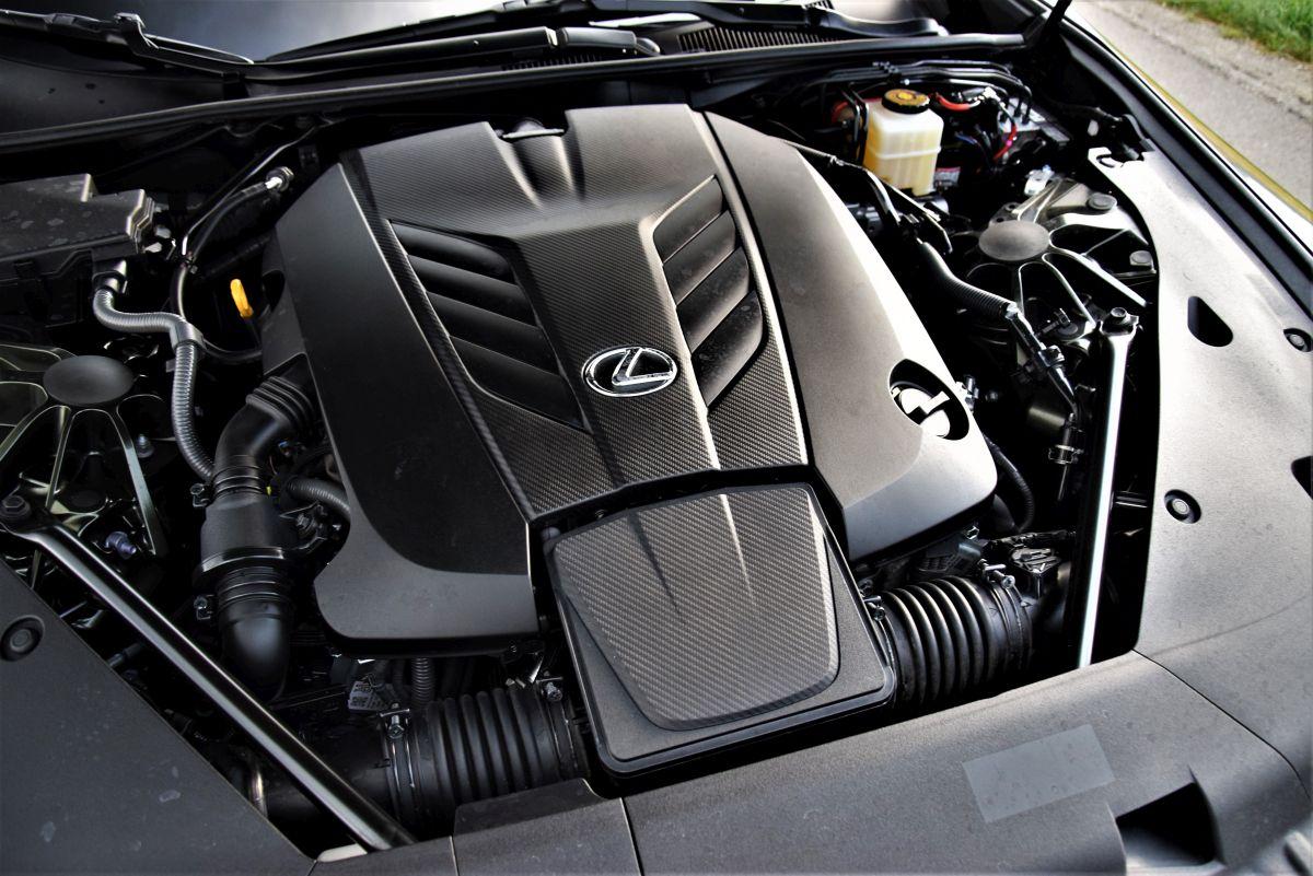 Lexus LC 500 CV - silnik
