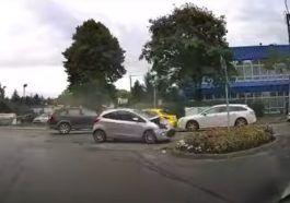Kolizja czterech aut w Bielsku-Białej