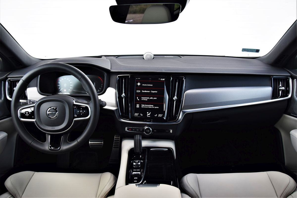 Volvo S90 T8 eAWD - wnętrze