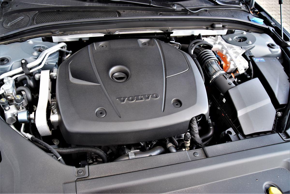 Volvo S90 T8 eAWD - silnik