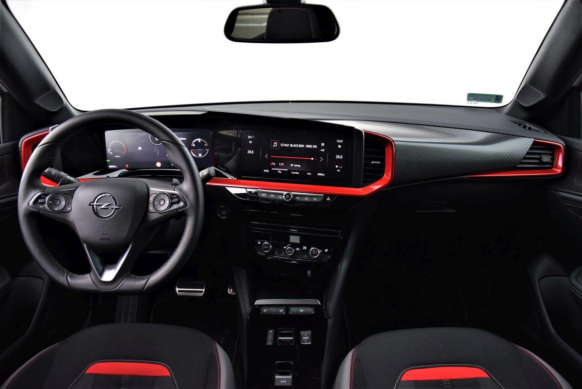 Opel Mokka 2021 - wnętrze