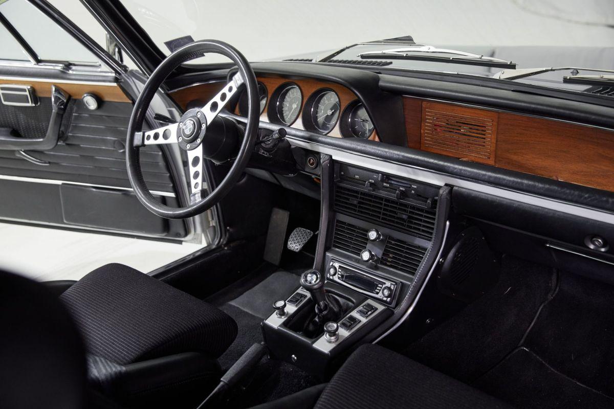 BMW 3.0 CSL - interior