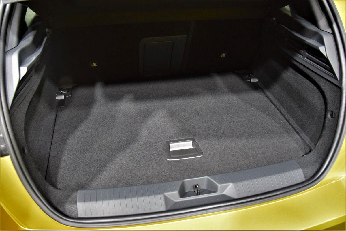 Nowy Opel Astra - pojemność bagażnika